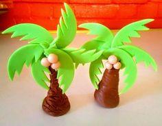 Edible palm tree made of fondant 💝 Fondant Cake Tutorial, Cake Topper Tutorial, Fondant Cake Toppers, Fondant Icing, Fondant Cakes, Safari Birthday Cakes, Cookie Cake Birthday, Animal Birthday, Palm Tree Cakes