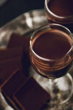 Chocolate Fondue, Drinks, Tableware, Recipes, Cook, Drinking, Beverages, Dinnerware, Tablewares