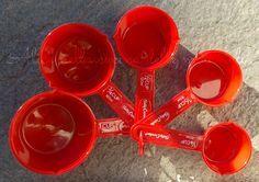 Tabella di conversione: cup/grammi. Per convertire in grammi la quantità degli ingredienti indicata in cup nelle ricette straniere.