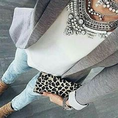 Trendy How To Wear Necklaces Clothing Stylists Mode Outfits, Office Outfits, Casual Outfits, Fashion Outfits, Womens Fashion, Casual Attire, Statement Necklace Outfit, Statement Jewelry, Pearl Necklace