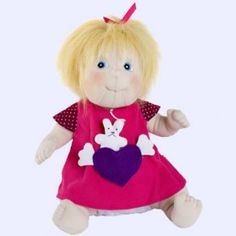 Rubens Barn handgemaakte stoffen #baby pop Ida.  Kleertjes kunnen uit.  Pop en kleertjes zijn uitwasbaar in de wasmachine. #speelgoed
