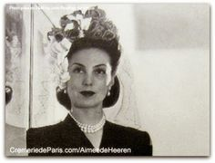 Aimée de Heeren fotografada por John Rawlings para Vogue en 1946.  Aimée de Heeren, nascida Aimée Soto-Maior de Sá (Castro, 3 de agosto de 1903 - Nova York, 14 de setembro de 2006) foi uma socialite brasileira.  história completa no site: http://sergiozeiger.tumblr.com/post/99810774763/aimee-de-heeren-nascida-aimee-soto-maior-de-sa