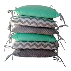 Cotton bumper made of 6 pillows Safe: made of certified cotton, with Anti-Allergy filling The set consists of: 6 pillows 35x35 cm