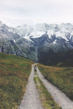 Hiking is such a thrilling experience. My wanderlust is too strong Adventure Awaits, Adventure Travel, Beach Adventure, Into The Wild, The Mountains Are Calling, Move Mountains, To Infinity And Beyond, Belle Photo, The Great Outdoors