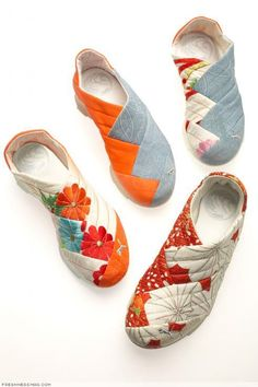 PUMA Yutori Kimono PUMA Yutori Kimono Inspired by the traditional style of the Japanese Geisha and are made from real kimono dress fabric found in vintage shops throughout Japan. The post PUMA Yutori Kimono appeared first on Do It Yourself Fashion. puma y Mocassins Cuir, Diy Sac, Shoe Boots, Shoe Bag, Shoe Pattern, Kimono Dress, Kimono Fabric, How To Make Shoes, Me Too Shoes