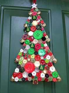 All you need are brightly-coloured buttons to craft this alternative Christmas tree Wooden Christmas Trees, Christmas Art, Christmas Projects, Christmas Holidays, Christmas Ornaments, Homemade Christmas, Holiday Crafts, Holiday Fun, Summer Crafts