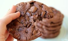 Flourless Chocolate Cookies - these gluten free cookies are rich, chocolatey, and chewy