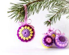 Zestaw 4 bombek na choinkę - cataneedle - Dekoracje bożonarodzeniowe
