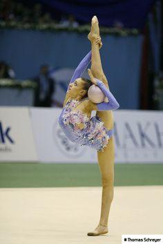 Evgenia Kanaeva (RUS) au ballon