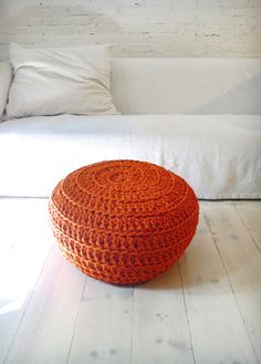 Pouf-pinned by http://www.auntbucky.com  #home #pouf