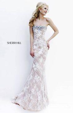 such a beautiful dress <3