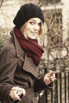 Keira Knightley, i LOVE that scarf!!