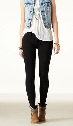AEO outfit with knit jeggings, found on http://www.studentrate.com/trending