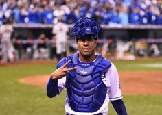Here are the 10 best dancing, rapping, behind-the-scenes moments from Salvador Perez's Instagram