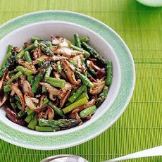 Asparagus and Shiitake Stir-Fry Recipe with dark sesame oil, asparagus ...