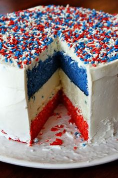 Red, White and Blue Cake. What if it was red & blue, but the white was vanilla ice cream...!