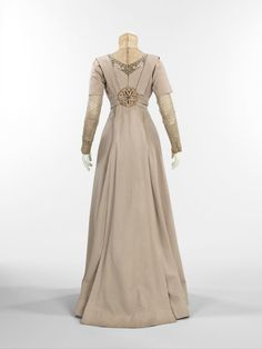 1910s dress back fashion