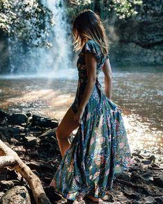 El secreto del cambio es centrar toda tu energía, no en luchar contra el pasado, sino en construir todo lo nuevo....