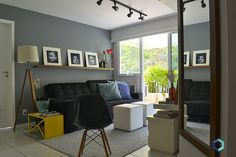 Carol Dias - como redecorar a sala - sofá preto