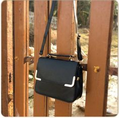 #royaltysforthecommoner  Jet Black Sling Bag  Code no: SB22:017 Price: Rs.799/- Ordering Details: Contact/whatsapp @07666649710/09022910123 Payment Mode: COD all over India✔️ Bank Transfer ✔️ Delivery period: 12-15days maximum if cash on delivery  4-5days maximum if NEFT/bank transfer