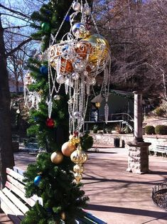 Mardi Gras Bead Christmas Decorations - Discover some terrific Christmas decorations!