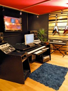 Check out this in-home recording studio before-and-after makeover by the <em>Room Crashers</em> team at DIYNetwork.com.