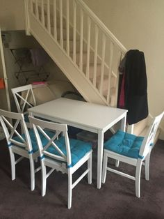 White Dinning Table And 4 Chairs