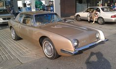 http://playingintheworldgame.files.wordpress.com/2012/10/studebaker-avanti-3-the-things-one-sees-on-a-road.jpg