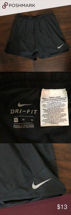 Nike women's running shorts Excellent condition, color black, size XL Nike Shorts