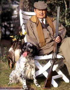 Miiguel Delibes amaba a los perros, 'animales de caza y compañía'. A los 88 años publicó una antología con el título 'Mis perros'.