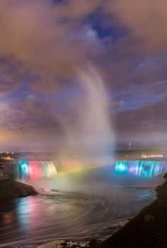 Mystical mist, Niagra, Ontario, by Frozen Image Photography Cool Pictures, Cool Photos, Beautiful Pictures, Places Around The World, Around The Worlds, Beautiful World, Beautiful Places, Beautiful Waterfalls, Image Photography