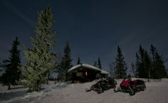 Nice to sleep in a warm cabin after a long days ride on the snowmobile. Here still quite south.