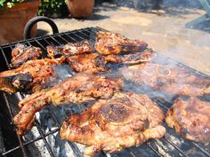 Various meats BBQ on wood fire. South African Braai, South African Recipes, Ethnic Recipes, Braai Recipes, French Press Coffee Maker, Good Food, Yummy Food, Cold Brew Coffee Maker, Grilling Tips