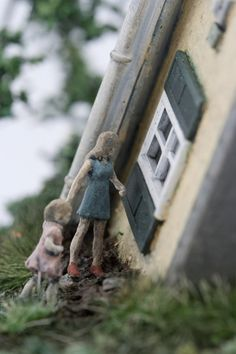 Sculptural works from the Distillation Series by contemporary artist Thomas Doyle. Living In New York, Little People, Contemporary Artists, Minis, Art Pieces, Sculptures, Miniature, Outdoor Decor, Painting