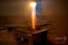 カザフスタンにあるロシアのバイコヌール宇宙基地 Baikonur Cosmodrome から国際宇宙ステーションに向けて打ち上げられた宇宙船「ソユーズ Soyuz MS-04」」(2017年4月20日撮影、資料写真Files)。(c)AFP/Kirill KUDRYAVTSEV ▼15Jun2017AFP|ロケットの破片落下で草原火災、カザフスタン人男性1人死亡 http://www.afpbb.com/articles/-/3132183