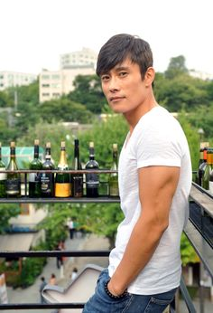 Lee Byung-Hun, look at those arms (or arm as the case may be)