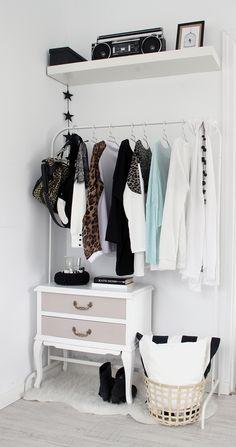 Mi mini vestidor low cost - closed