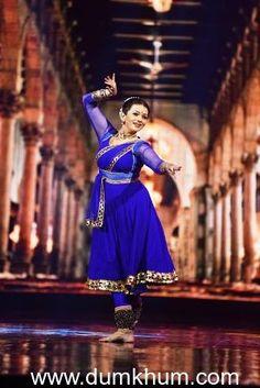 Karan Tacker, Mouni Roy, Sushant Divgikar and Prachi Shah on India's Got Talent Dance Outfits, Dance Dresses, Cute Dresses, Indian Dresses, Indian Outfits, Kathak Costume, Kathak Dance, Indian Classical Dance, Tacker