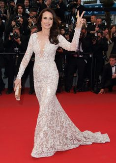 ANDIE MACDOWELL white gown older women hot body beauty age without age from the Cannes Film Festival  - ELLE.com