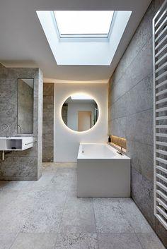 Finde minimalistische Badezimmer Designs in Grau: . Entdecke die schönsten Bilder zur Inspiration für die Gestaltung deines Traumhauses.