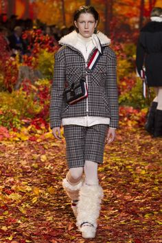 Moncler Gamme Rouge Fall 2017 Ready-to-Wear Fashion Show Collection