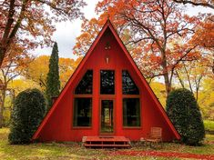 A Frame Cabin, A Frame House, Narrow House Designs, Tiny House, Bamboo House Design, Cabin In The Woods, Small Modern Home, Backyard Sheds, Cabin Homes