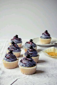 Berry delight. #cupcakelove #berryseason #berrylicious #richsindia #cupcake #delicious