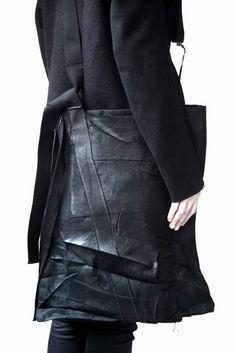 Visions of the Future:Boris Bidjan Saberi Ninja Goth, Fashion Bags, Mens Fashion, Dark Fashion, High Fashion, Fashion Goth, Black Leather Bags, Black Tote, Future Fashion