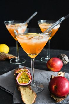 Alcoholic Cocktails, Easy Cocktails, Summer Cocktails, Cocktail Drinks, Cocktail Night, Alcohol Recipes, Raw Food Recipes, Whole30 Recipes Lunch, Halloween Drinks