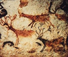 Tattoo idea - Deer cave paintings from Lascaux, France Art Pariétal, Paleolithic Art, Lascaux, Cave Drawings, Primitive Painting, Art Ancien, Spirited Art, Aboriginal Art, Native Art