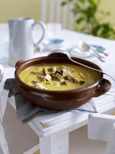 Unser beliebtes Rezept für Sopa boba (Mallorquinische Hühnersuppe mit Mandeln) und mehr als 55.000 weitere kostenlose Rezepte auf LECKER.de.