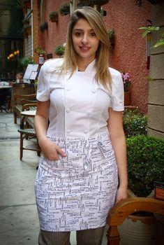 Avental de cintura, em Sarja 100% algodão. Possue um bolso lateral, fechamento por amarração.Comprimento do avental - 45cm