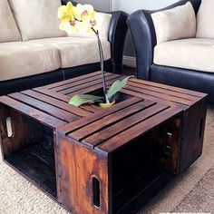 Live creatively: You can easily insert these 4 cool DIY furniture .- 4 cool DIY furniture that you can easily build yourself - Wooden Crate Coffee Table, Diy Wooden Crate, Diy Coffee Table, Coffee Table With Storage, Diy Table, Wooden Crates, Crate Table, Wooden Spools, Coffee Table Out Of Crates