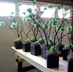 great DIY centerpiece idea! This may be work trying out!